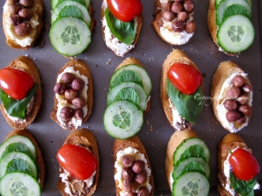 Ricotta Crostini, a quick and fresh snack