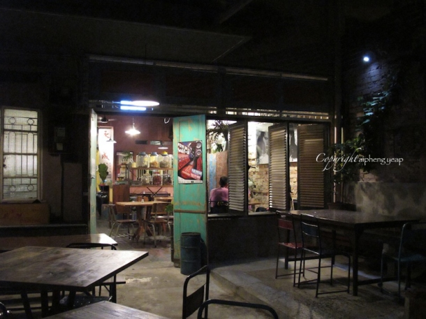 Limablas exterior 3 | The Trishaw