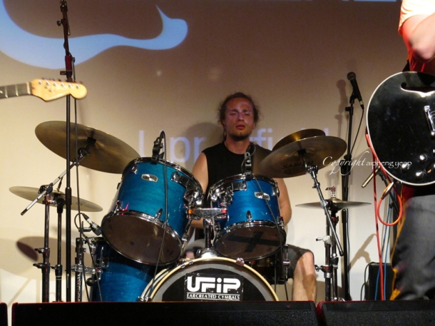 Upperfield Drummer  aipheng